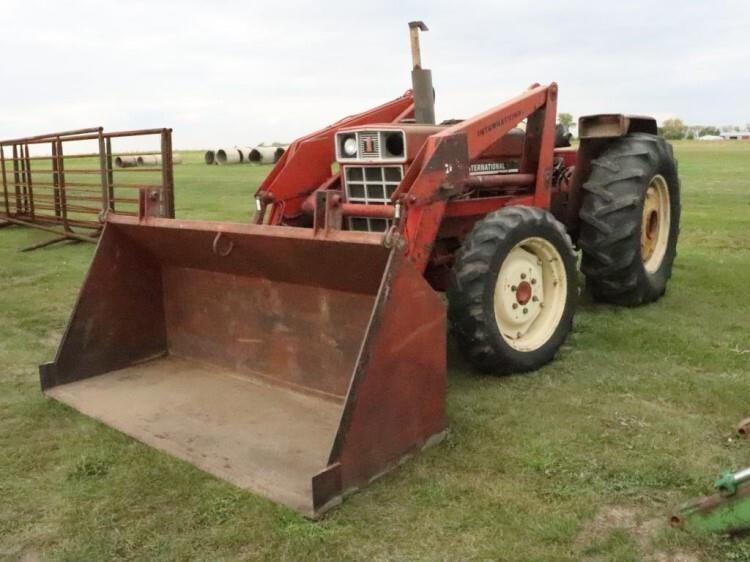 IH 784 Tractor #NA